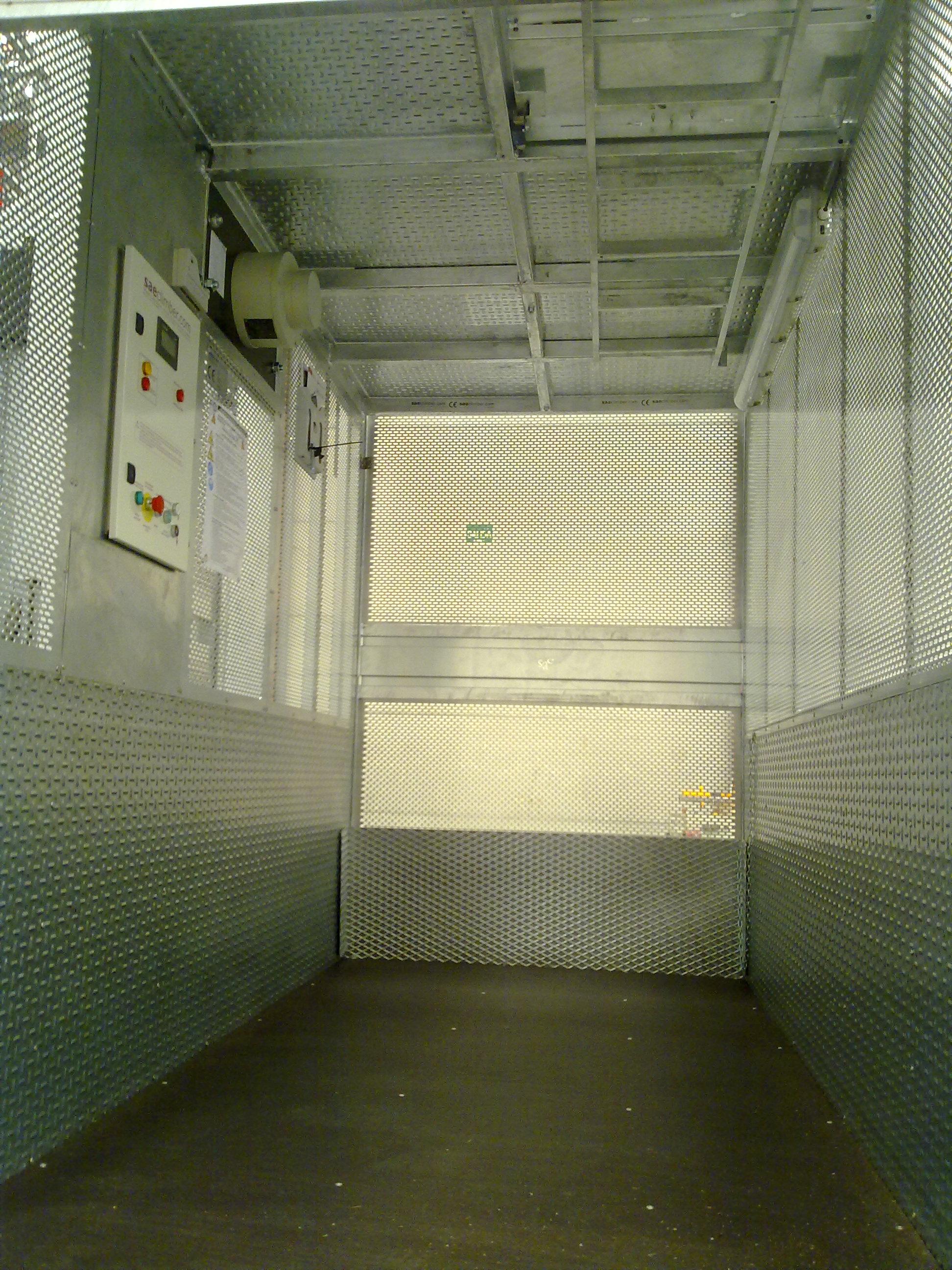 E30 ascensor de obra